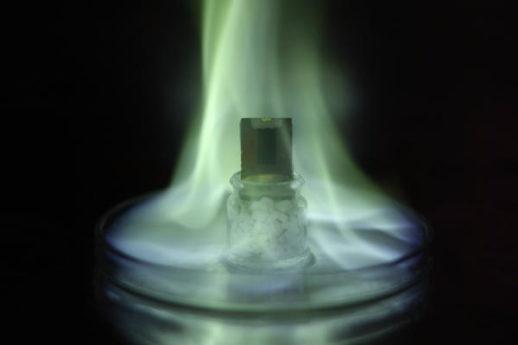 Perovskite-Solar-Cells-With-Nanotube-film