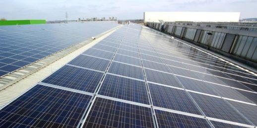 phoenix_solar_Dachanlage_dach_ulm_photovoltaik-1024x512