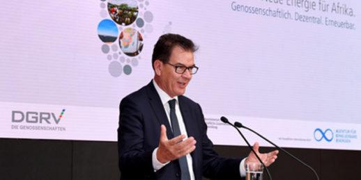 Bundesentwicklungsminister_Gerd_Mueller_DGRV_Energiekongress_Berlin_2017