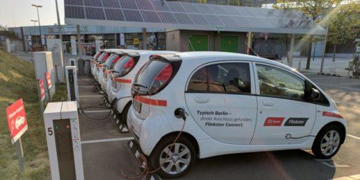 Elektroautos_DB_Ladestation_ladesaeule_ladepunkt_photovoltaik