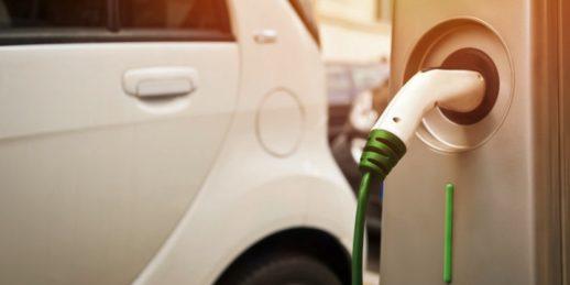 Elektroautos_EV-ladesaeule_IEA