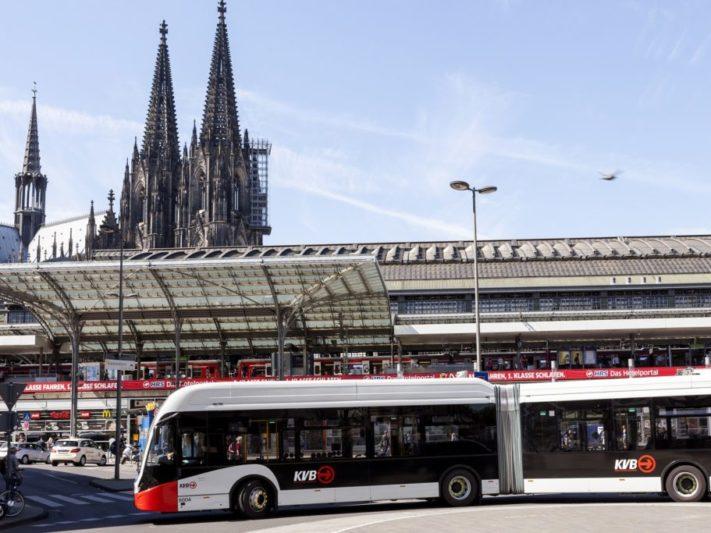 E_Bus_ChristophSeelbach_KölnerVerkehrs-BetriebeAG-1024x683