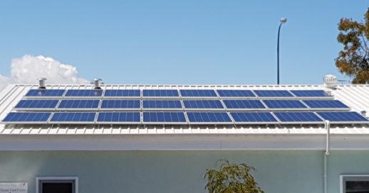 solar-panels-roof-192645