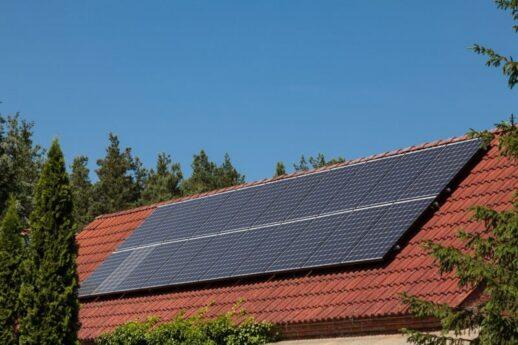 Panasonic_Check_der_Photovoltaik-Anlage-800x533