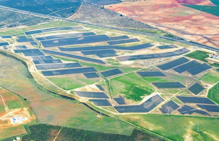 BayWa_re_Photovoltaik-Solarpark_Don_-Rodrigo-800x459