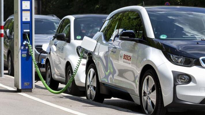 Bosch_Elektromobilitaet_Ladesaeule