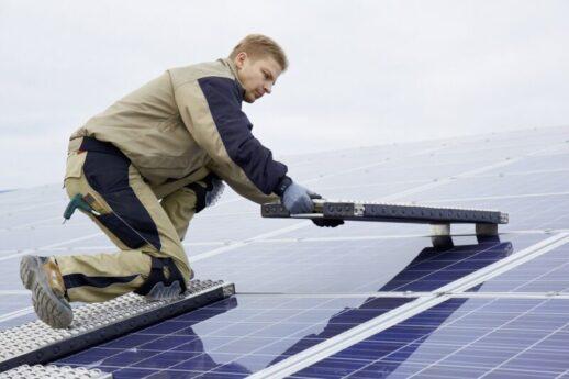 SMB_Solar_Multiboard_mobile_Photovoltaik-Arbeitsplattform-800x533