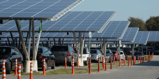 Солнечные крыши на парковках