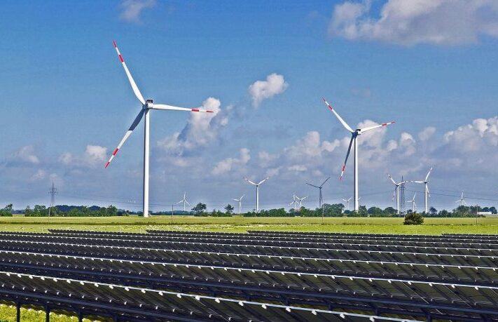 obnovitelne-zdroje-vetrne-fotovoltaicke-elektrarny-800x459