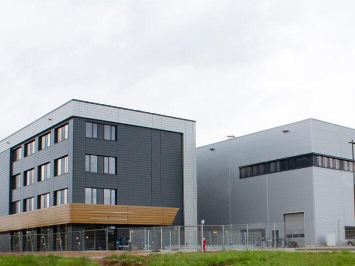 Akasol_Headquarter_Gigafactory_Darmstadt_2020-1024x538
