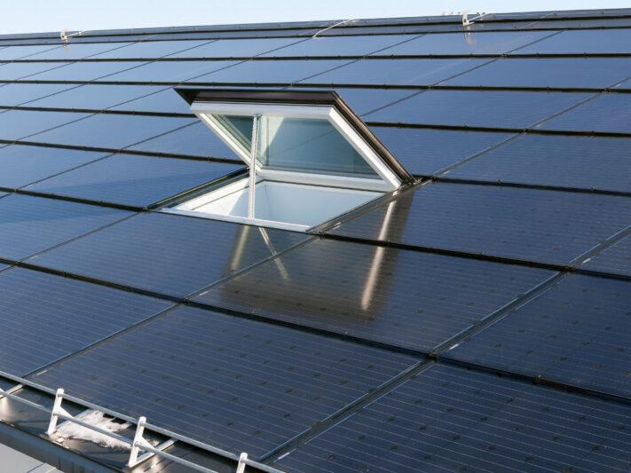 Schweiz_Indachanlage_Photovoltaik_Ernst_Schweizer