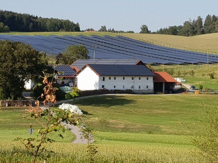Bayern_Solarpark_Dachanlage_2019_Maxsolar_c_Hans_Urban
