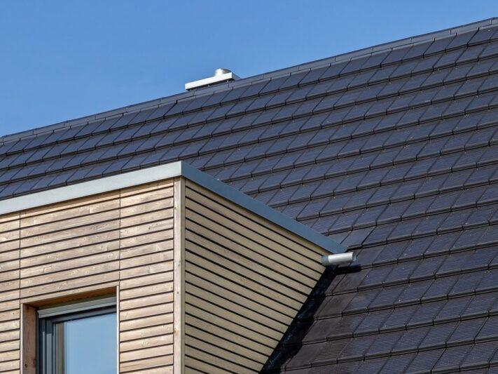 autarq_Solardach_Photovoltaik_Ziegel-e1615558404888
