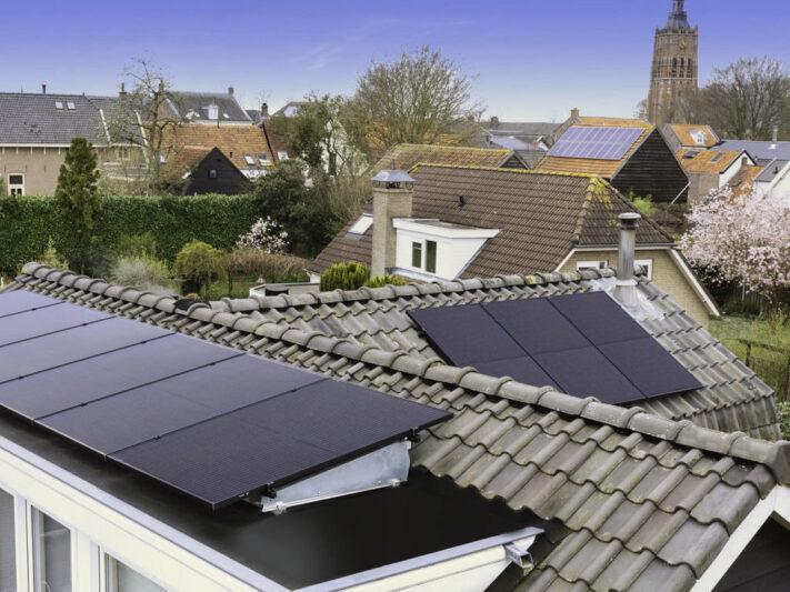 Solaredge_Smart_Module_mit_integriertem_Leistungsoptimierer_2992_cover-e1624884242119