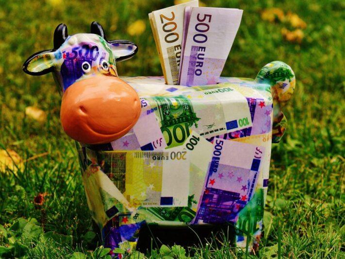 piggy-bank-1510525_1920_Sparschwein-e1623765742665-1536x902