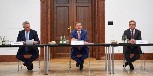 Innenministerium_Oesterreich_PK_Karl_Nehammer_2021_cBMI_KarlSchober-e1626871947484-1536x768