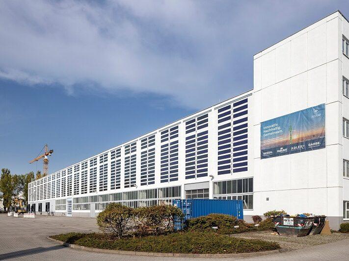 Garbe_Renewable_Energy_Heliatek_Adler_Organische-Photovoltaik-Folien_Pilotprojekt